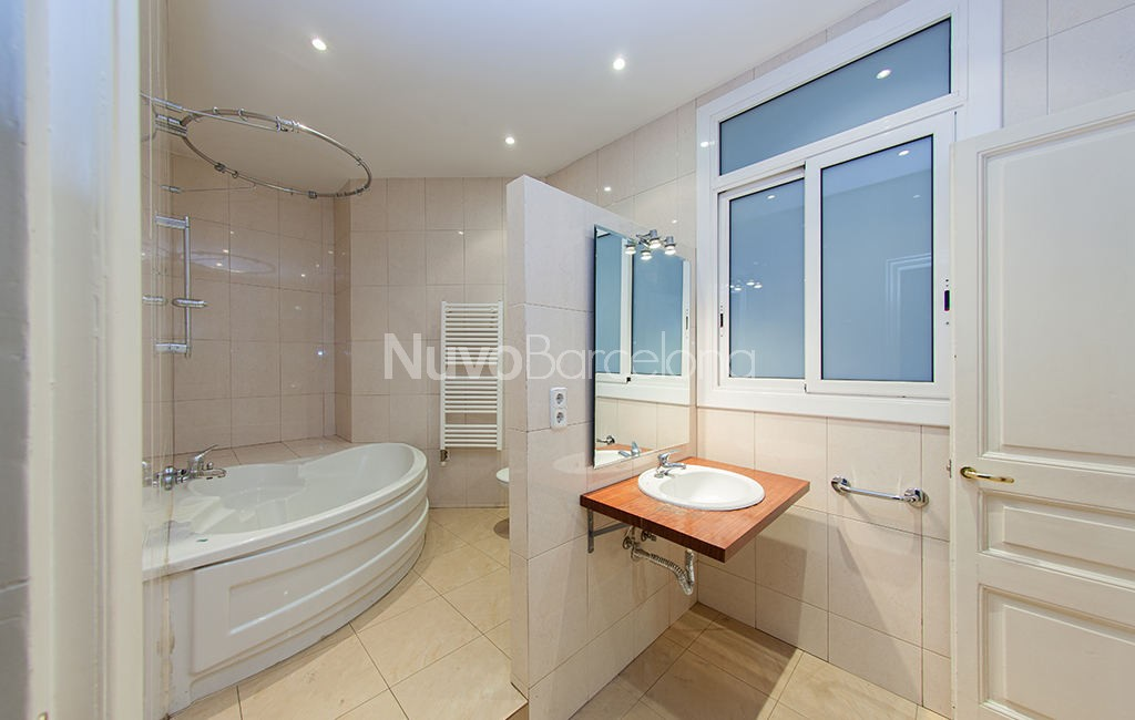 Flats for sale in Barcelona Spain - Gran Via 576 - Before 3